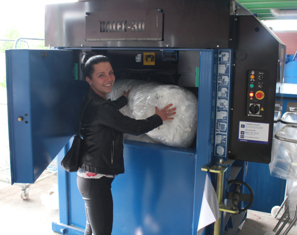 Making plastic bale