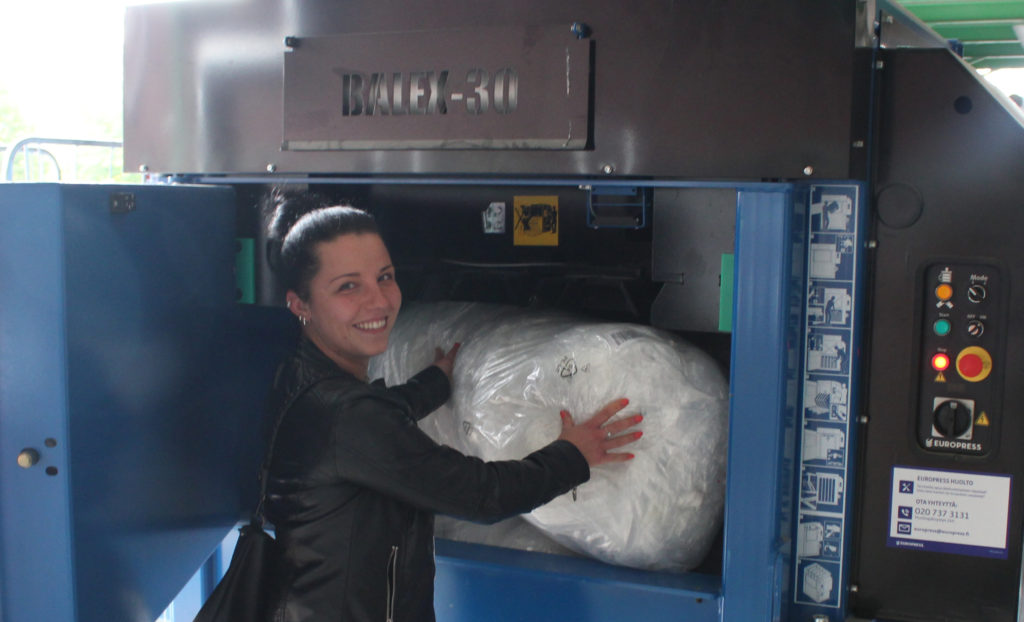 Maiju Lassila, jätepaalain, muovijäte