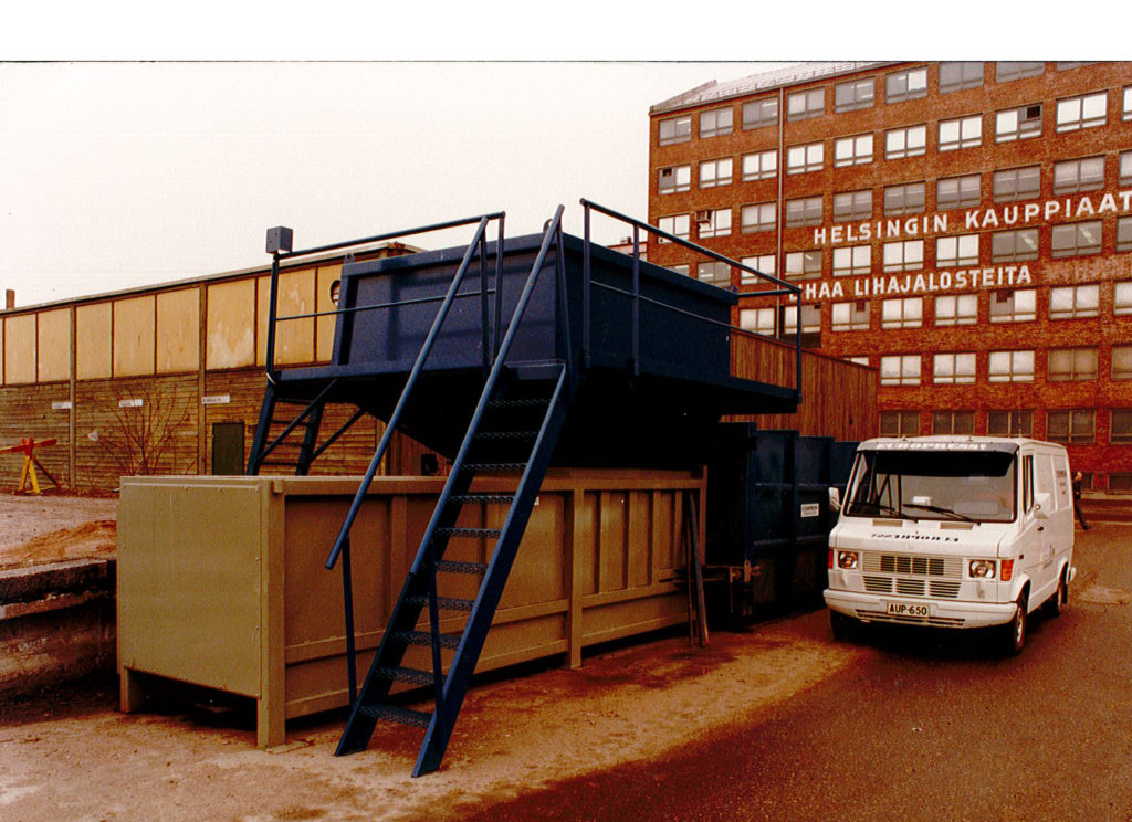 Maintenance of waste handling equipment