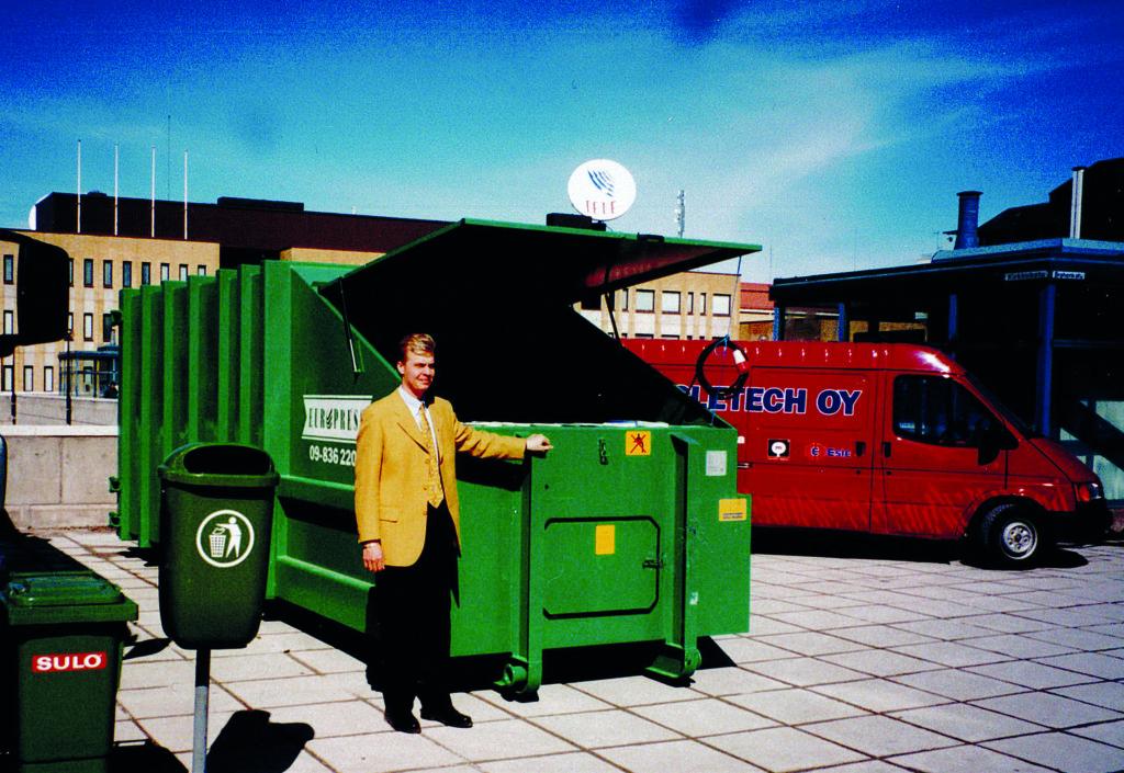 Jätepuristin vuodelta 1999