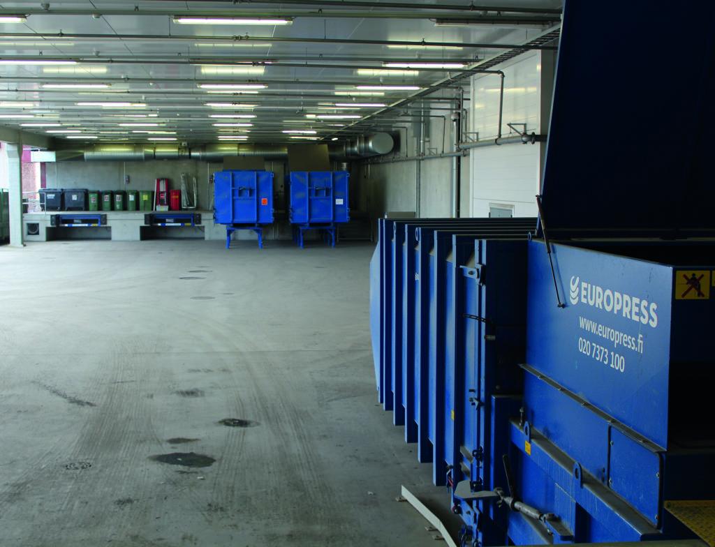 Jätehuolto toimii jätepuristimien ansiosta